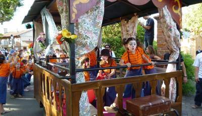 roulotte cristalball à la parade Festimanoir à Cugnaux, 2010